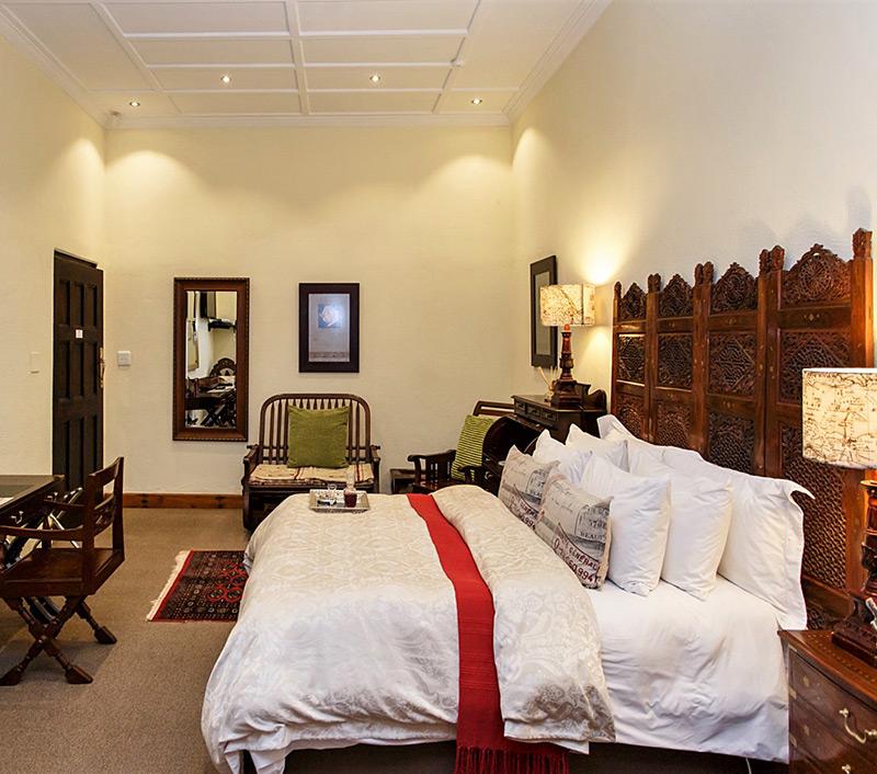 Luxury Double Room Bed & Breakfast Oudtshoorn